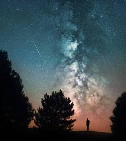 Sobrecoge lo pequeñitos que somos en realidad #cosmos #deepspace #milkyway