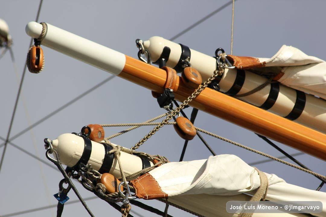 Que es mi barco mi tesoro,que es mi Dios la libertad;mi ley, la fuerza y el viento;mi única patria, la mar#sinfiltro #mar #libertad (en Puerto de Malaga. Muelle 1)
