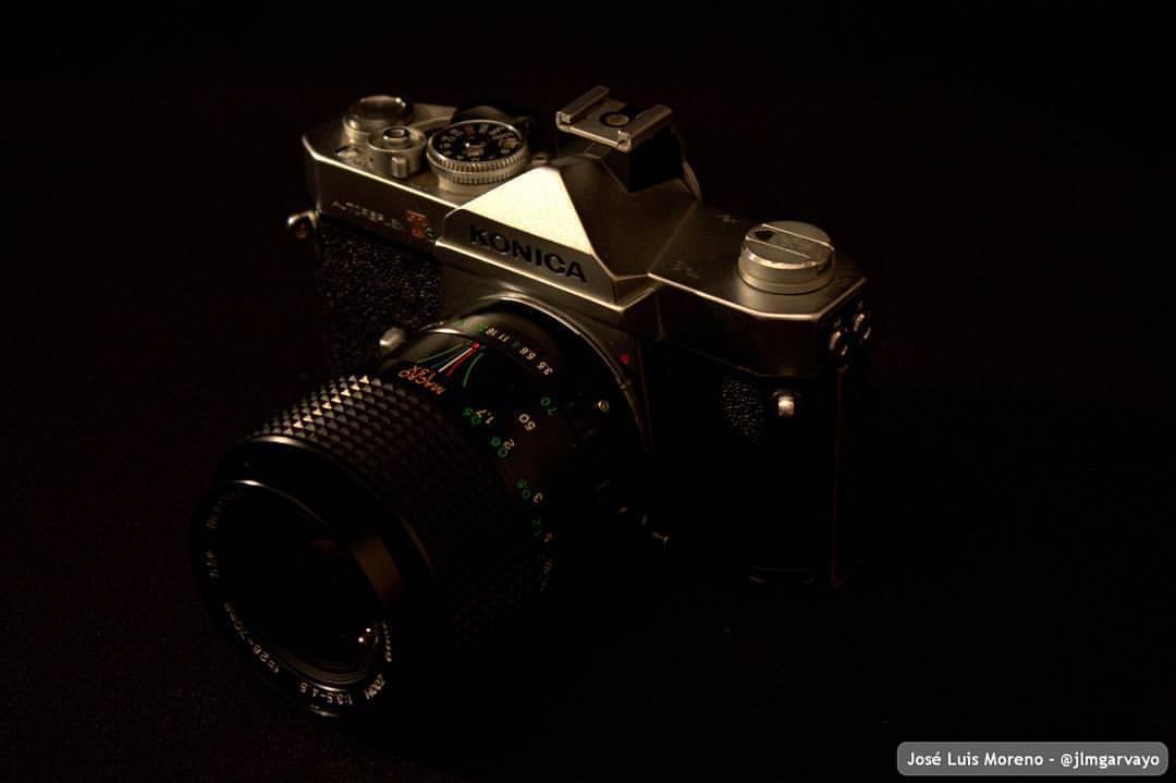 ¿Tecnología obsoleta? Konica Autoreflex T3. Fabricada en Konishiroku, Japón entre 1975 y 1978.#camara #fotografia #macro