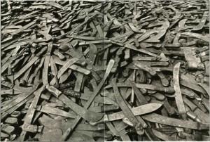 Machetes genocidio Ruanda 300x202 ¿DEBE LA ONU INTERVENIR EN EL CONFLICTO DE SIRIA?