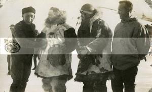 Amundsen Byrd Bennet y Ellsworth 300x182 SOBRE EL POLO NORTE EN DIRIGIBLE
