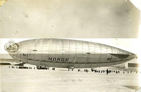 Norge en Kongsfjorden Svalbard Noruega SOBRE EL POLO NORTE EN DIRIGIBLE
